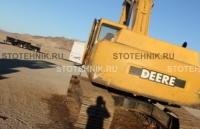 Deere Company John Deere 330C LC
